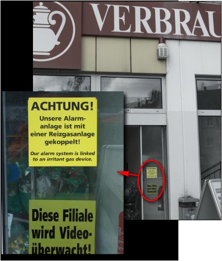 [Foto: Warnung vor 'Reizgasanlage' in Berliner Supermarktfiliale]